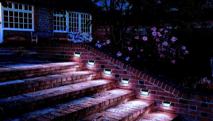LED Solar Step LIghts for outdoor stairs