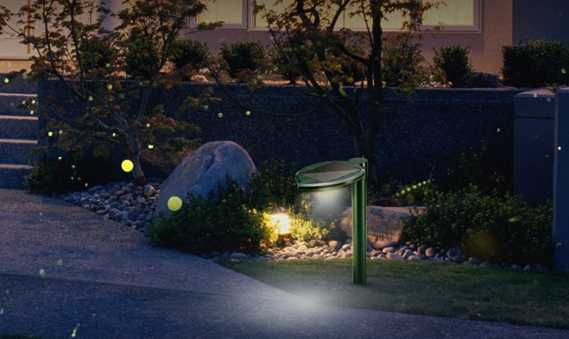 Solar snake repeller with LED lights for garden