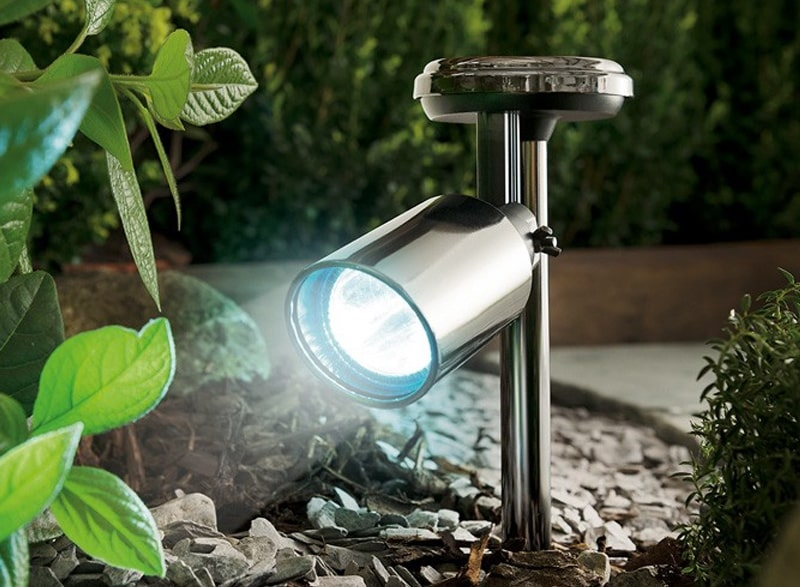 Make evening special with Solar Garden Spotlights decoration