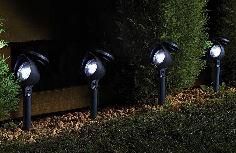 The major Benefits of Solar Powered Spotlight for garden